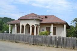 casa lui George Apostu