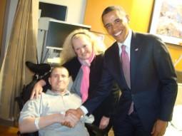 presedintele Obama, d-na Lilly Pierce si eroul nostru Florinel Enache
