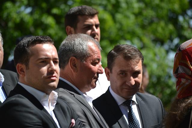 Constantin Traistaru, in mijloc, pe vremea cand era liberal