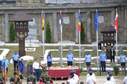 Comanesti, ceremonie pentru eroi  (10)