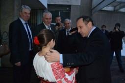 Aurelian Pavelescu, primit cu paine si sare (1)