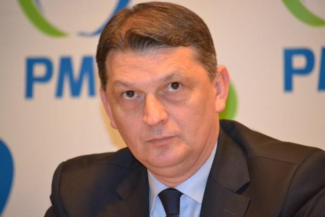 Gabriel Berca, fost prefect, Secretar General al Guvernului, senator si ministru de Interne, a fost denuntat de un afacerist controversat