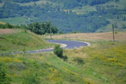 Se modernizeaza drumul din Stanisesti  (4)