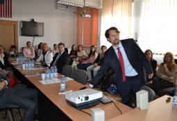 Darren Thies conferentiaza in Bacau (3)