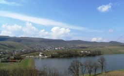 Lac Ungureni